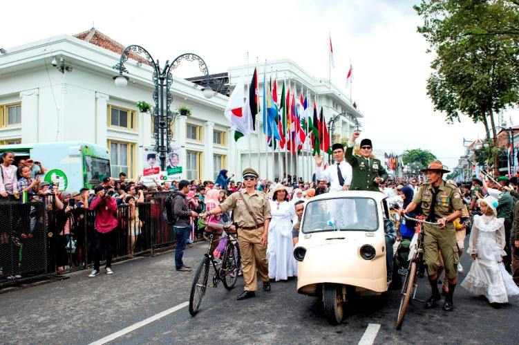 Celebrating Asia Africa Conference, Cultural Parade Held in Bandung